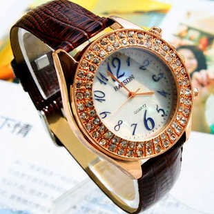 15 mixed wholesale 2012 Fashionable gifts Diamond exquisite Design watch The price of the
