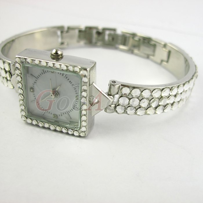 10 OFF Only 3 days Hot sale Fashion Luxury Crystal Inlay Silver Stainless Steel Special Design