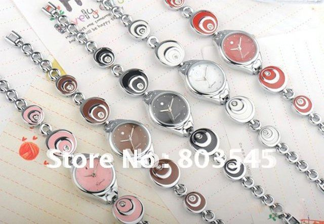 100pcs lot EMS DHL Fashion watch Quartz watches Personalized Heart Pendant Bracelet Watch women