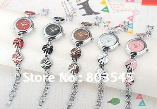 Women Quartz watch Modern Stainless Steel 3 cm