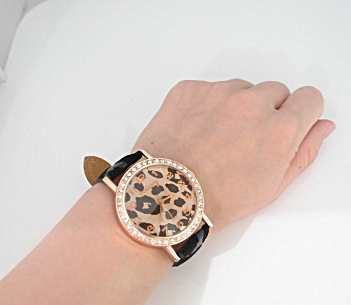 6pcs lady wristwatches 2012 Fashion Luxury White Leopard grain Leather Watchband Crystal Women quartz watch Sample Image