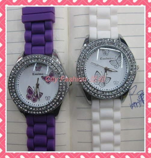Fashion Lady Watch Set with Diamonds Stone Built in Butterfly Jelly Bands