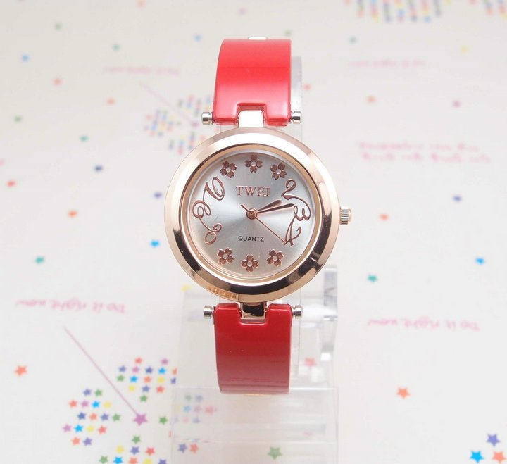 newest Top Quality lady s Red Leather Analog Watch MD0058 min order usd10