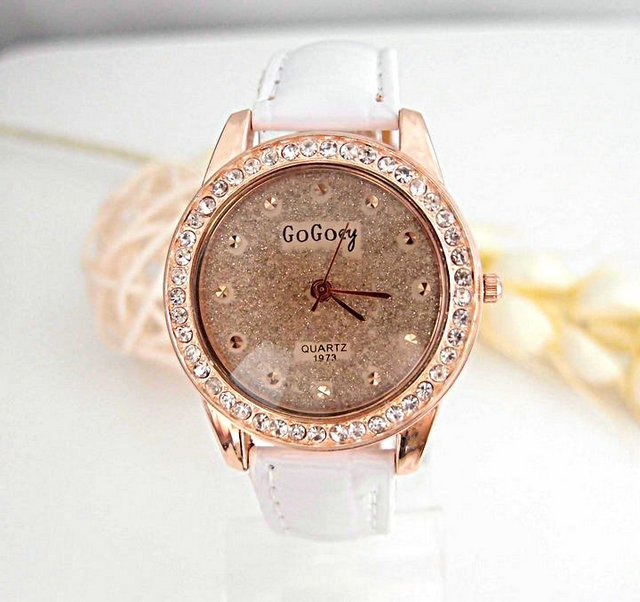 newest top fashion Women s white leather crystal round Watch CM074