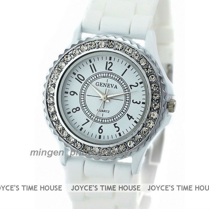 Leather  Round watch Glass Quartz 52339