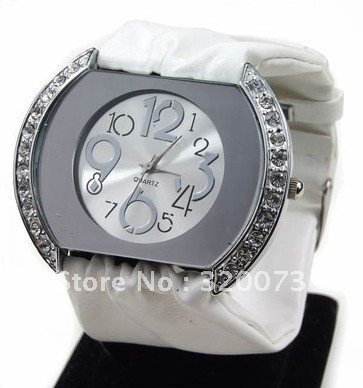 New fashion womens crystal watch shinny stones setted large size quartz stones watch ladies belt band