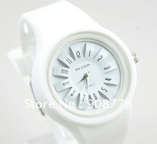 Leather  Round watch Crystal Quartz